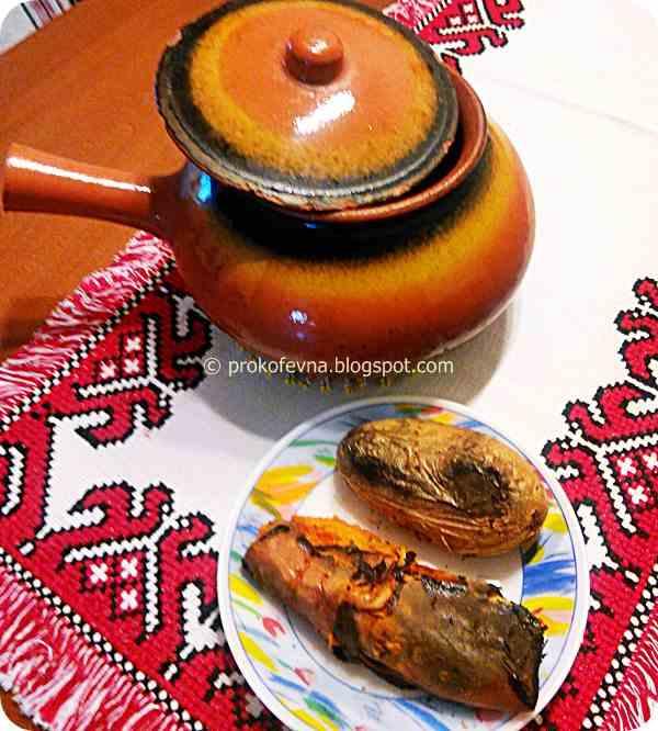 baked potato and sweet potato in clay pot