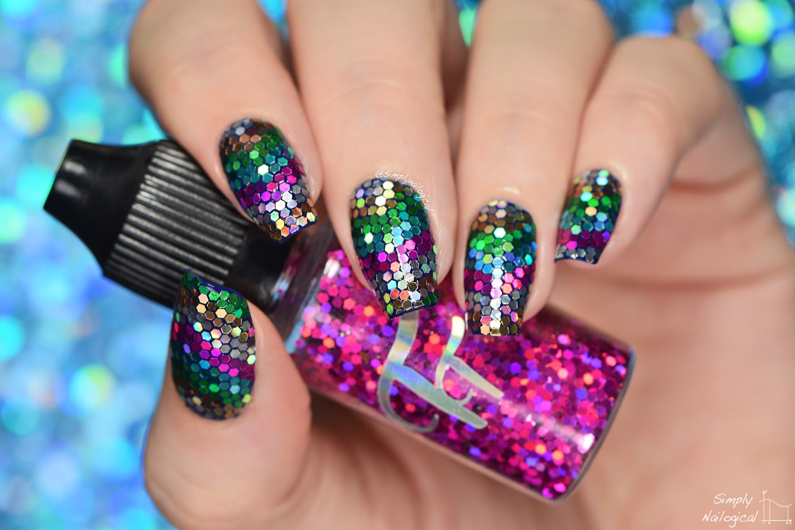 Simply Nailogical: \'V\'-shaped loose glitter placement nails