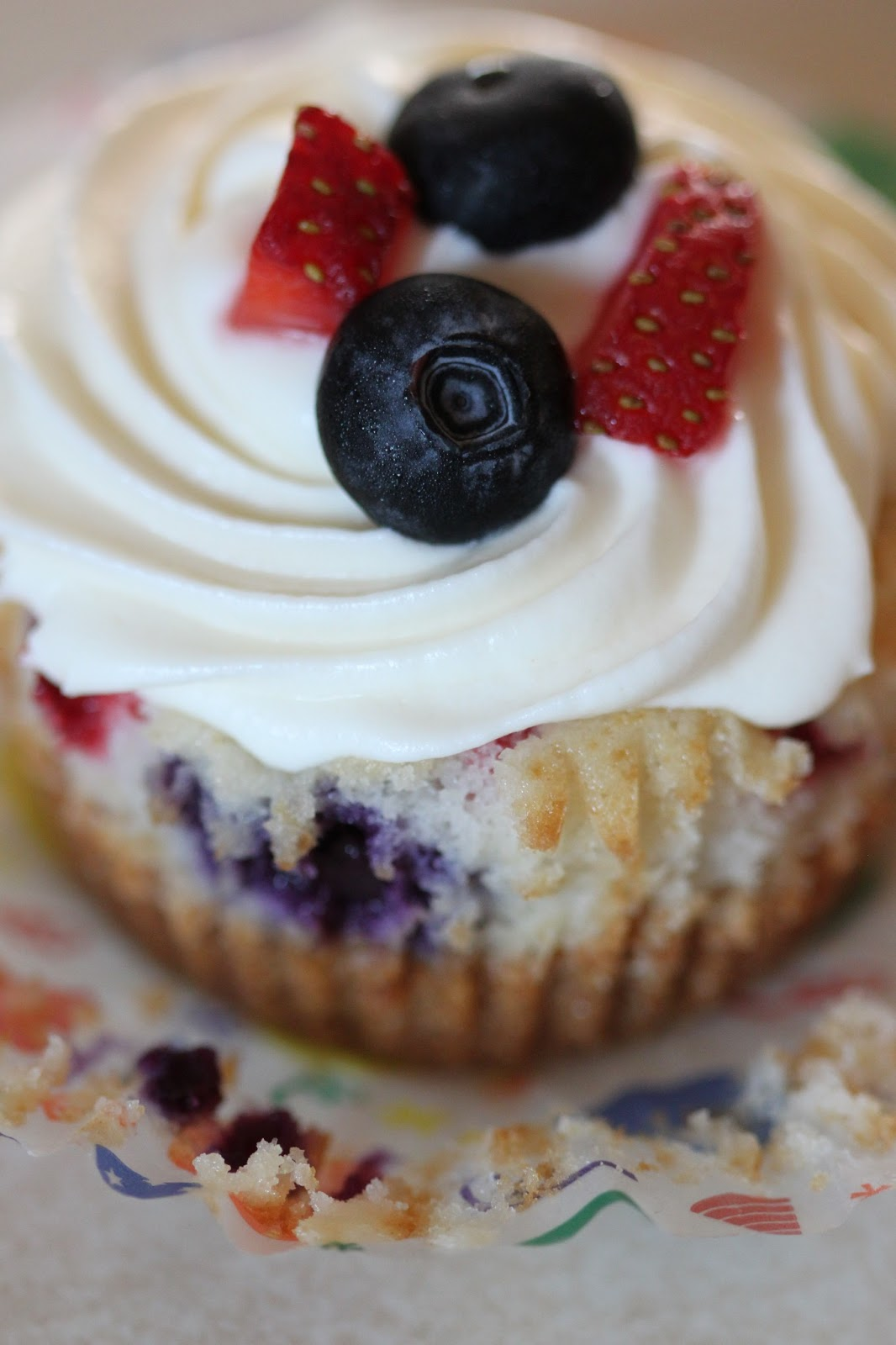 ... : Red White and Blue Cheesecake Cupcakes (Strawberry and Blueberry