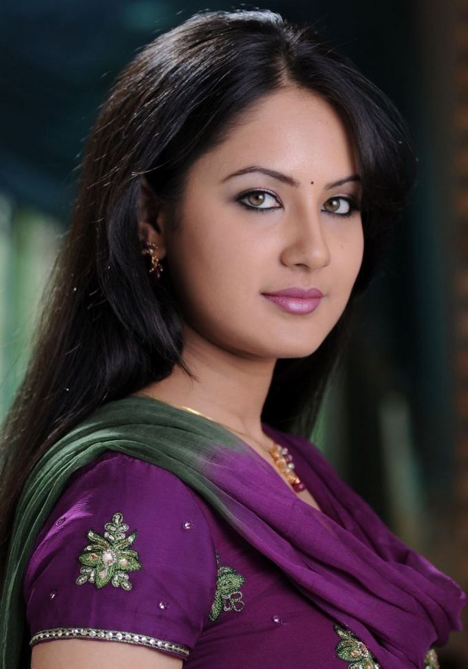 Actress Pooja Bose Stills
