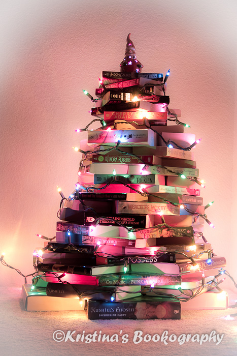 28 christmas tree books 15 christmas trees out of for Christmas tree made from old books