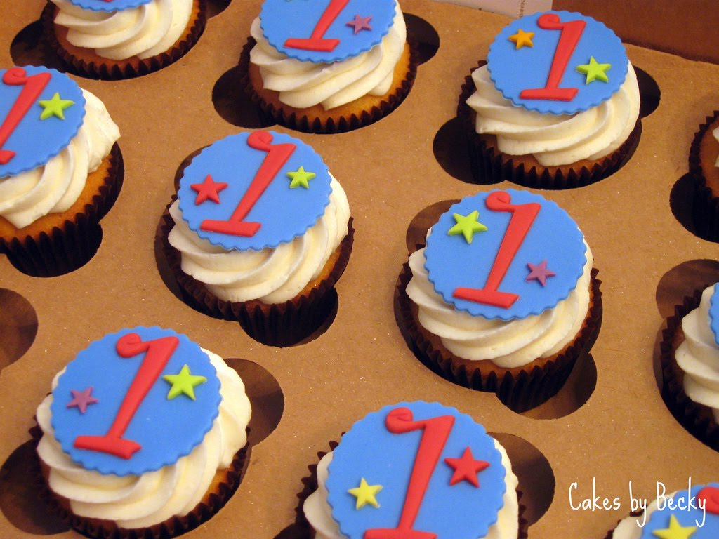 Cupcake Decorating Ideas Birthday Boy : Cakes by Becky: Blue and Red First Birthday Cupcakes