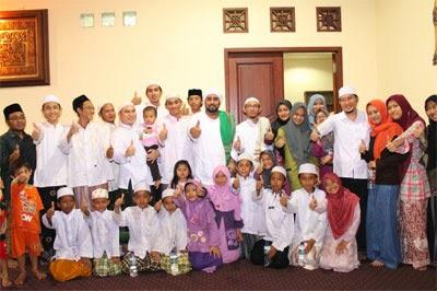 Keluarga Habib Syech Abdul Qadir Assegaf