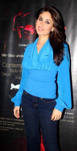 Kareena Kapoor Beautiful Stills In Blue Dress