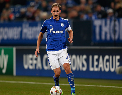 Arsenal are preparing a bid for Howedes