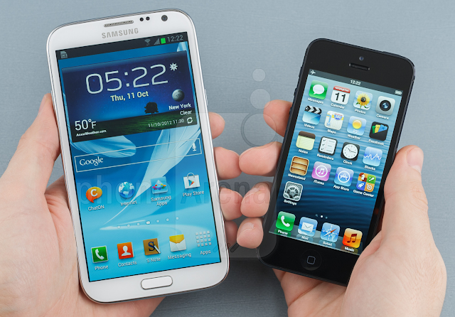 Quick comparison between the Samsung GALAXY Note II vs Apple iPhone 5