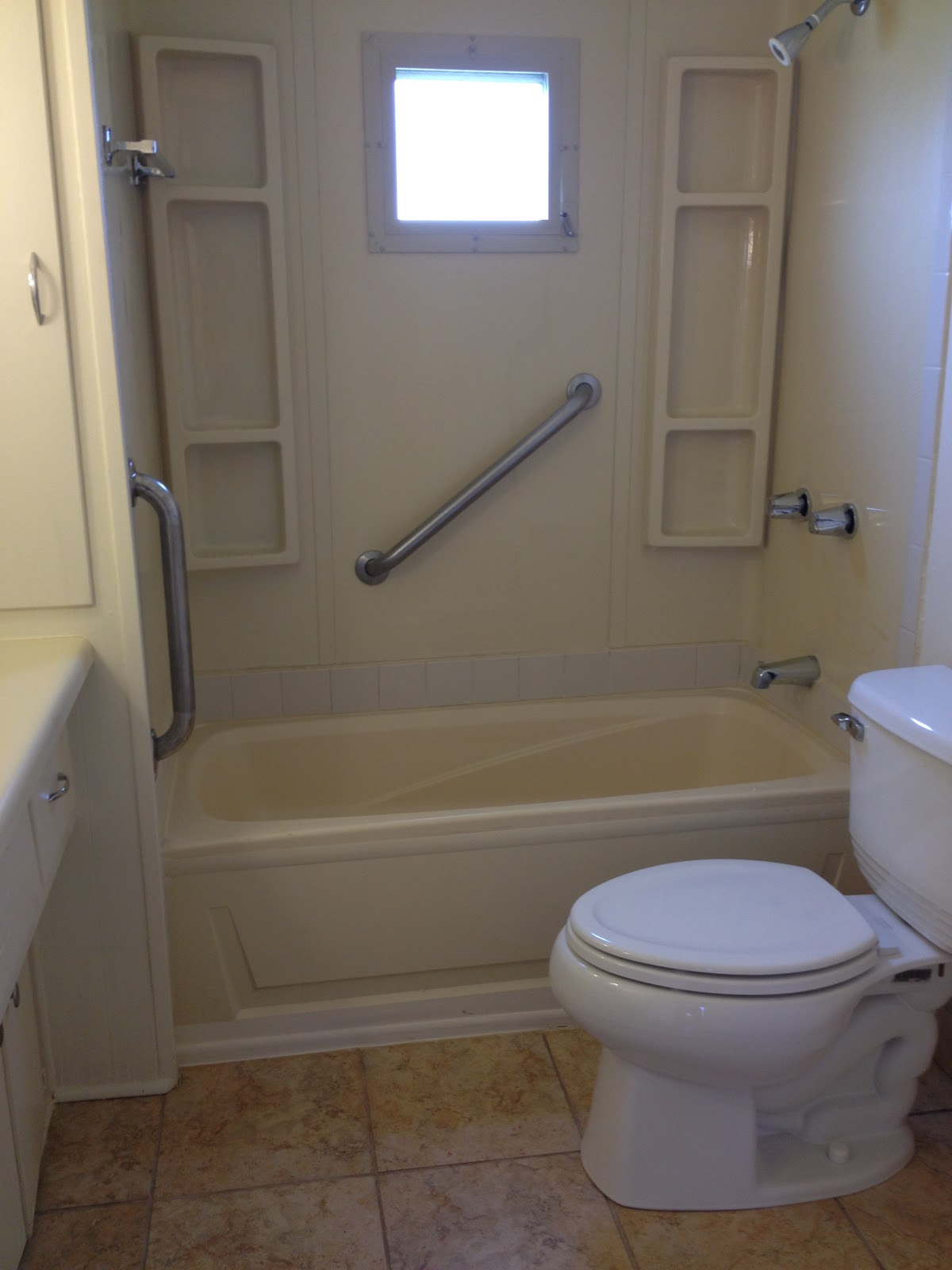 Mobile home bathtubs calloose caravan small double wide for Bathtubs for manufactured homes