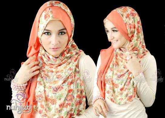 Gaya hijab trendy untuk remaja dengan motif bunga