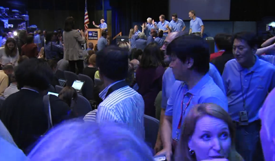 Curiosity MSL lands on Mars. Press conference post touch-down on Mars, Procession of Entry, Descent and Landing (EDL) team to salute the directors. 6 August 2012. NASA/JPL.