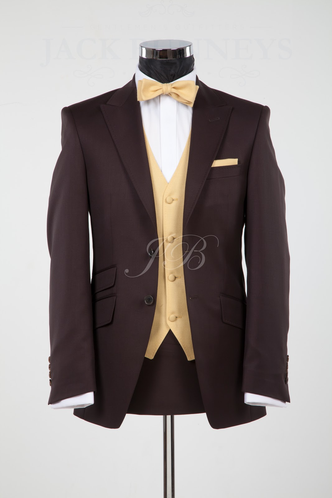 Classy suits SUIT AND TIE Bow tie suit Suits with Harvey Specter and Mike Ross Navy bow tie Suit / Fashion Men's Fashion Blog Fashion outfits Tie Styles Men Accessories What To Wear Today Reign Bash Dress Shapes Casual Wear Bow Ties Suits Male .