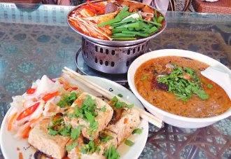 斗六-迪化街紅麵線 大腸麵線與臭豆腐小吃
