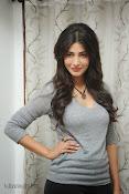 Shruti Haasan Gorgeous Photos at Yevadu Success Meet-thumbnail-19