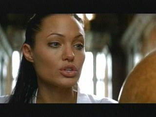 Angelina Jolie close-up in Lara Croft Tomb Raider: The Cradle of Life movieloversreviews.blogspot.com