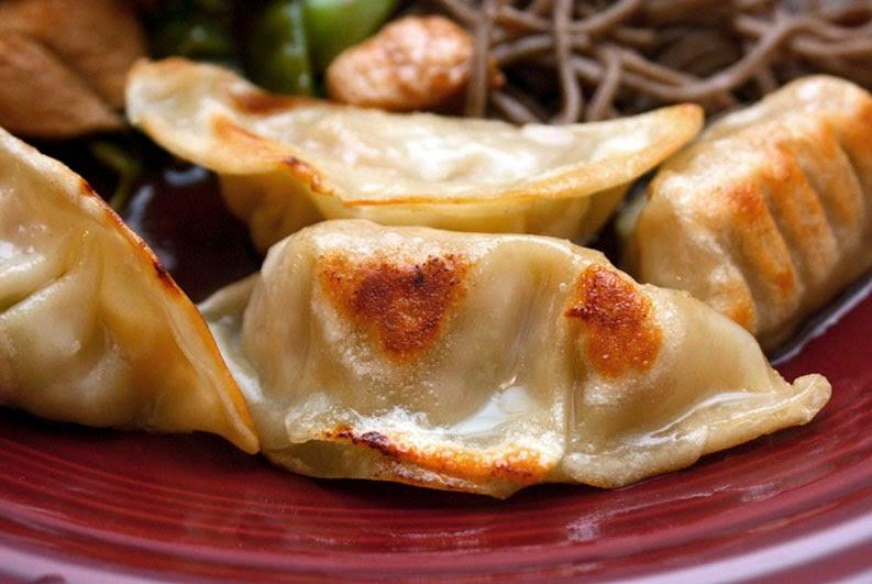 ... pan fried dumplings kare gyoza curry potstickers shrimp pork