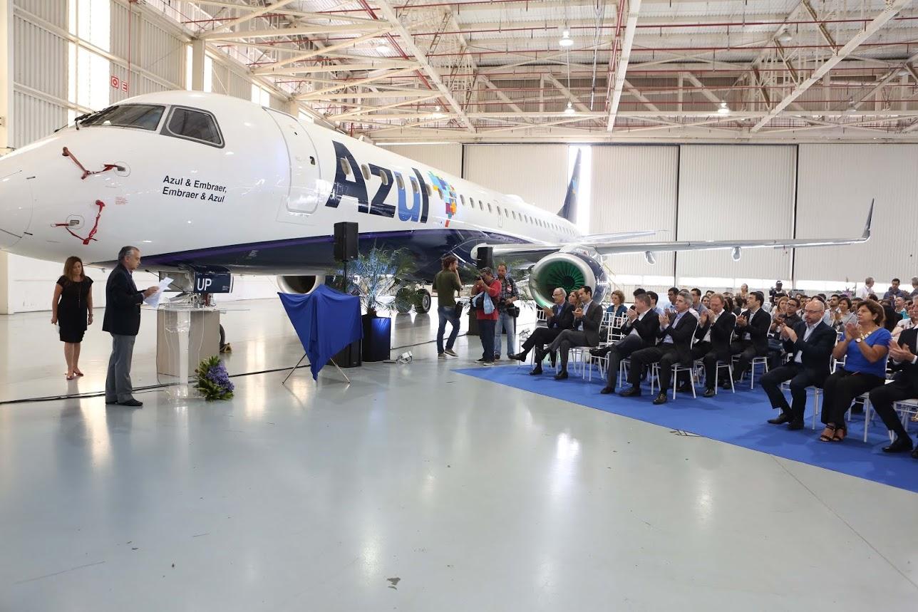É MAIS QUE VOAR | Azul recebe o 1200º Embraer 195 produzido! Veja imagens na integra!