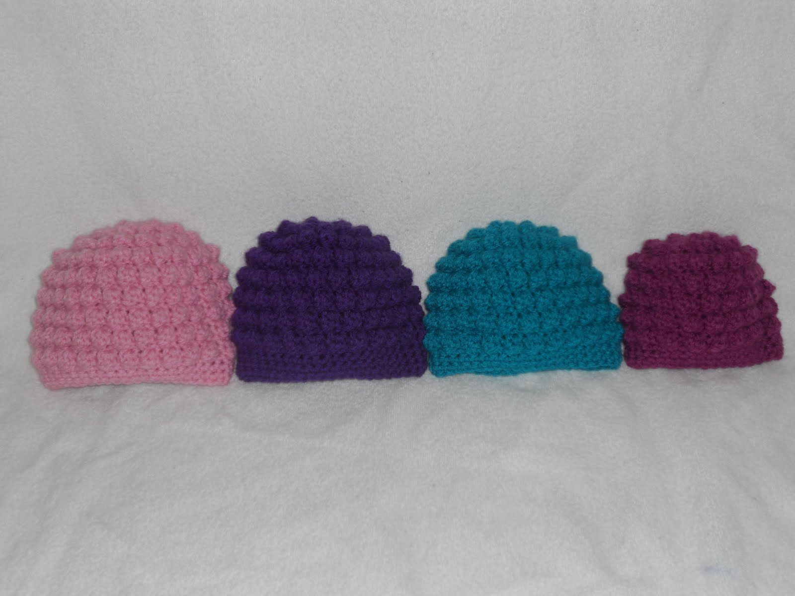 Crafty Woman Creations: Free Baby Bumpy Bobbles Beanie Crochet Pattern!