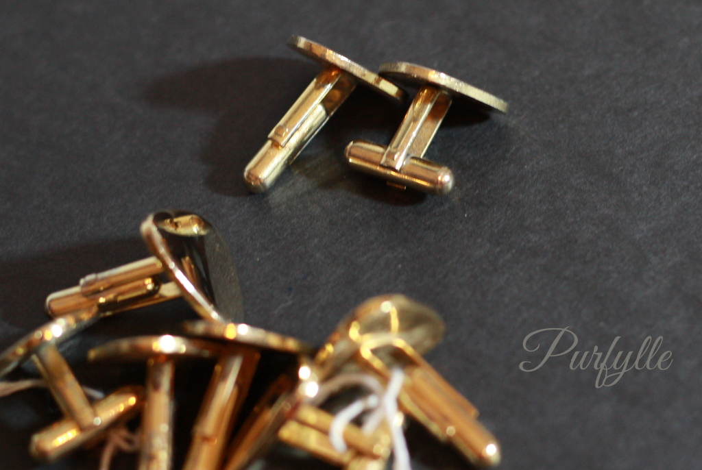 back view of cuff links