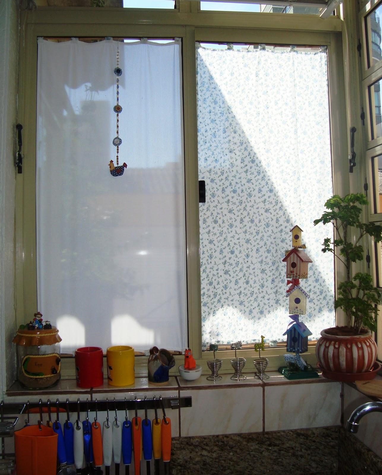 #613922  da janela. Lembrei de cortinas que via antigamente em algumas casas 40 Janelas De Vidro Cortina