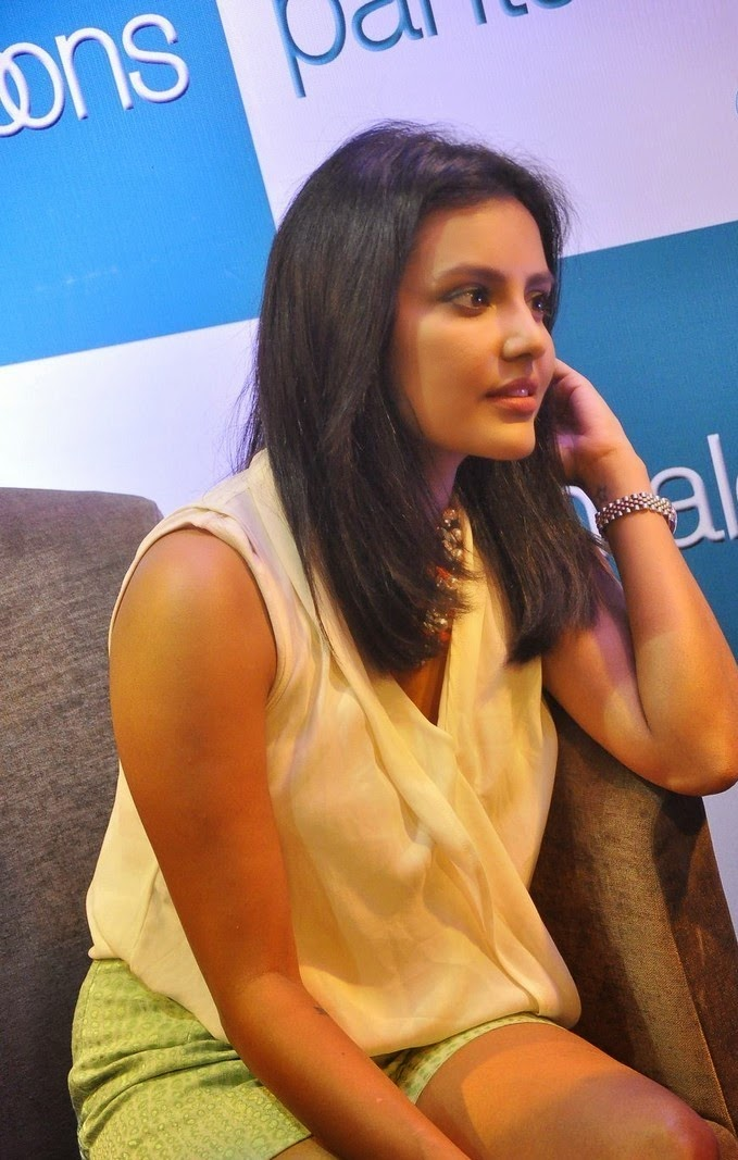 Priya Anand at Pantaloons Store Launch Photos
