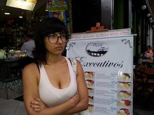 Mariana Correia foi expulsa de restaurante após beijar a namorada (Foto: Priscilla Moraes / CBN)