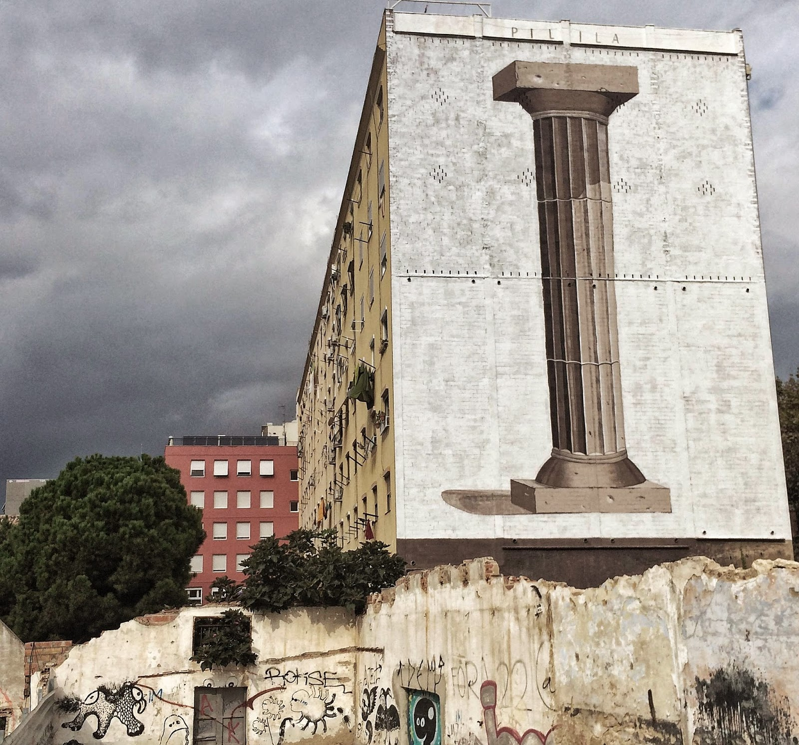 Spanish street art guerillero recently stopped by Barcelona in Spain where he was invited to participate in the Open Walls Conference 2014.
