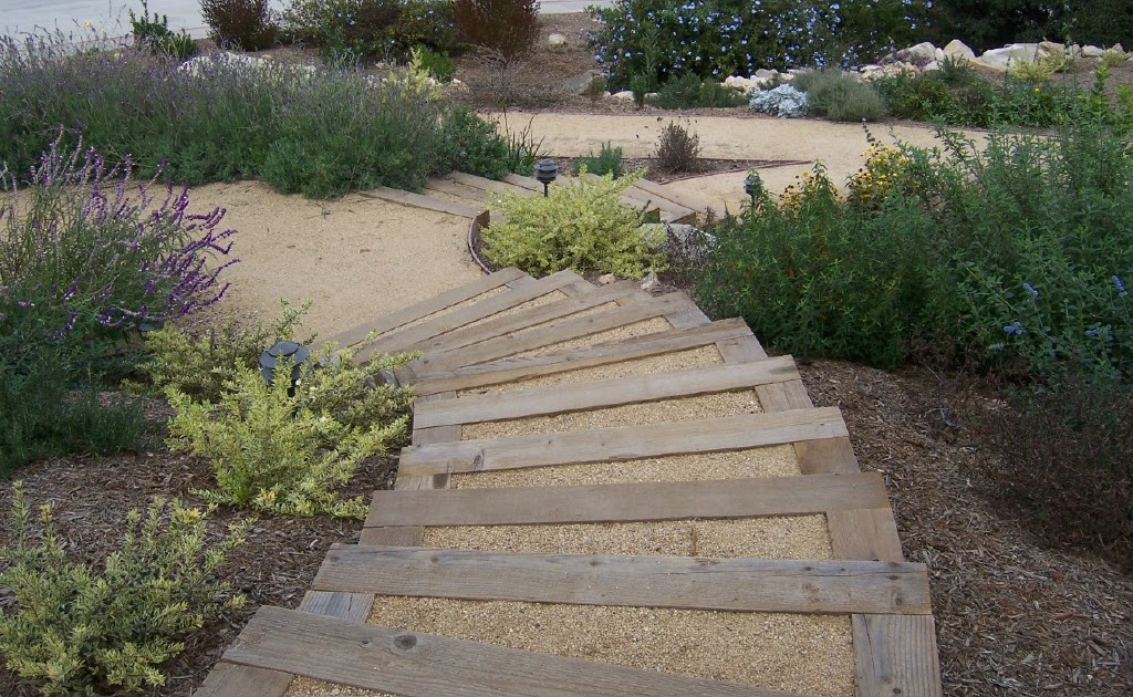 Landscape Timbers Mccoys : The minute gardener photo landscape timber stairs