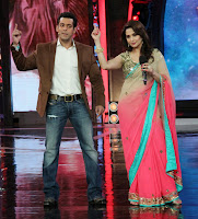 Madhuri & Huma promote 'Dedh Ishqiya' on Bigg Boss 7 with Salman