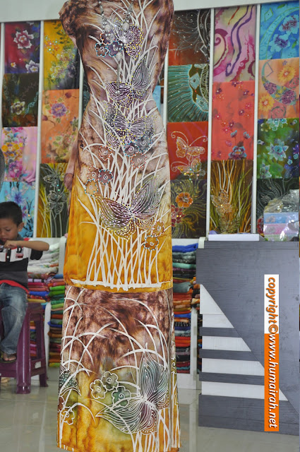 Abstract Marble dan Bunga Lalang Gorges - BATIK SUTERA