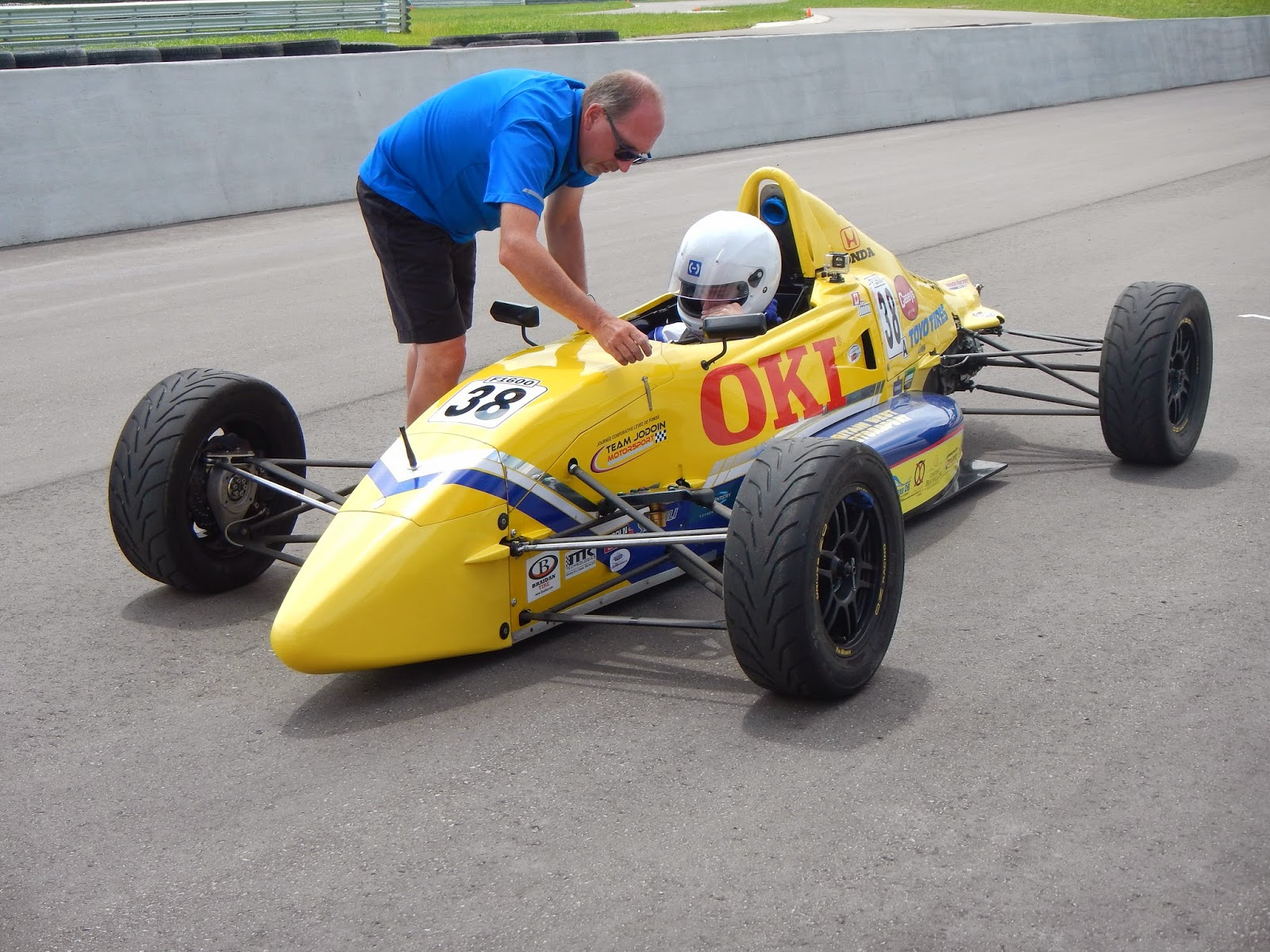 Toyo TIre Formula F1600