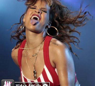 celebritiesnews-gossip.blogspot.com_rihanna_rock_rio2011