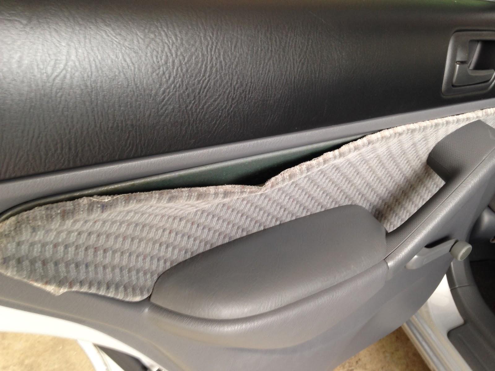 tamerlane 39 s thoughts upholstery glue. Black Bedroom Furniture Sets. Home Design Ideas