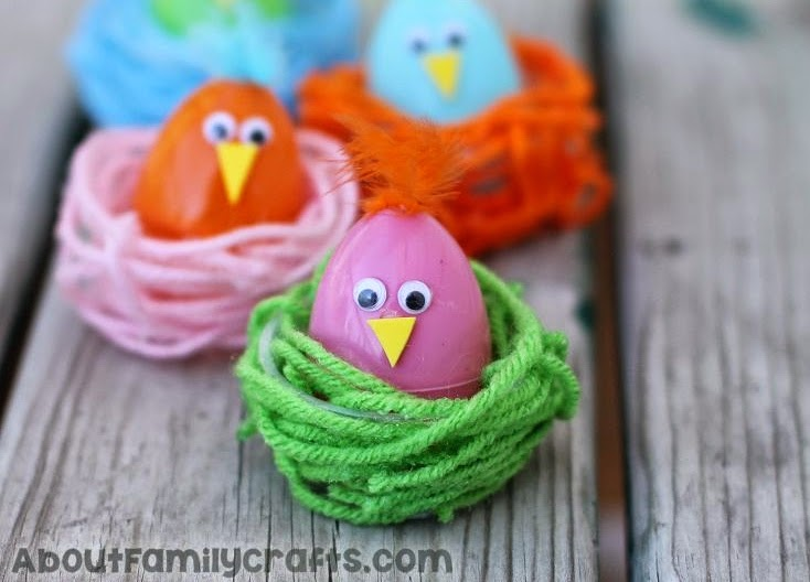 http://aboutfamilycrafts.com/diy-colorful-chicks-in-nests/