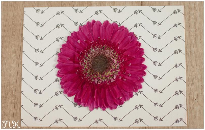 flor seca y papel scrap