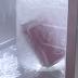 O que acontece quando Coca-Cola e nitrogênio líquido se juntam?