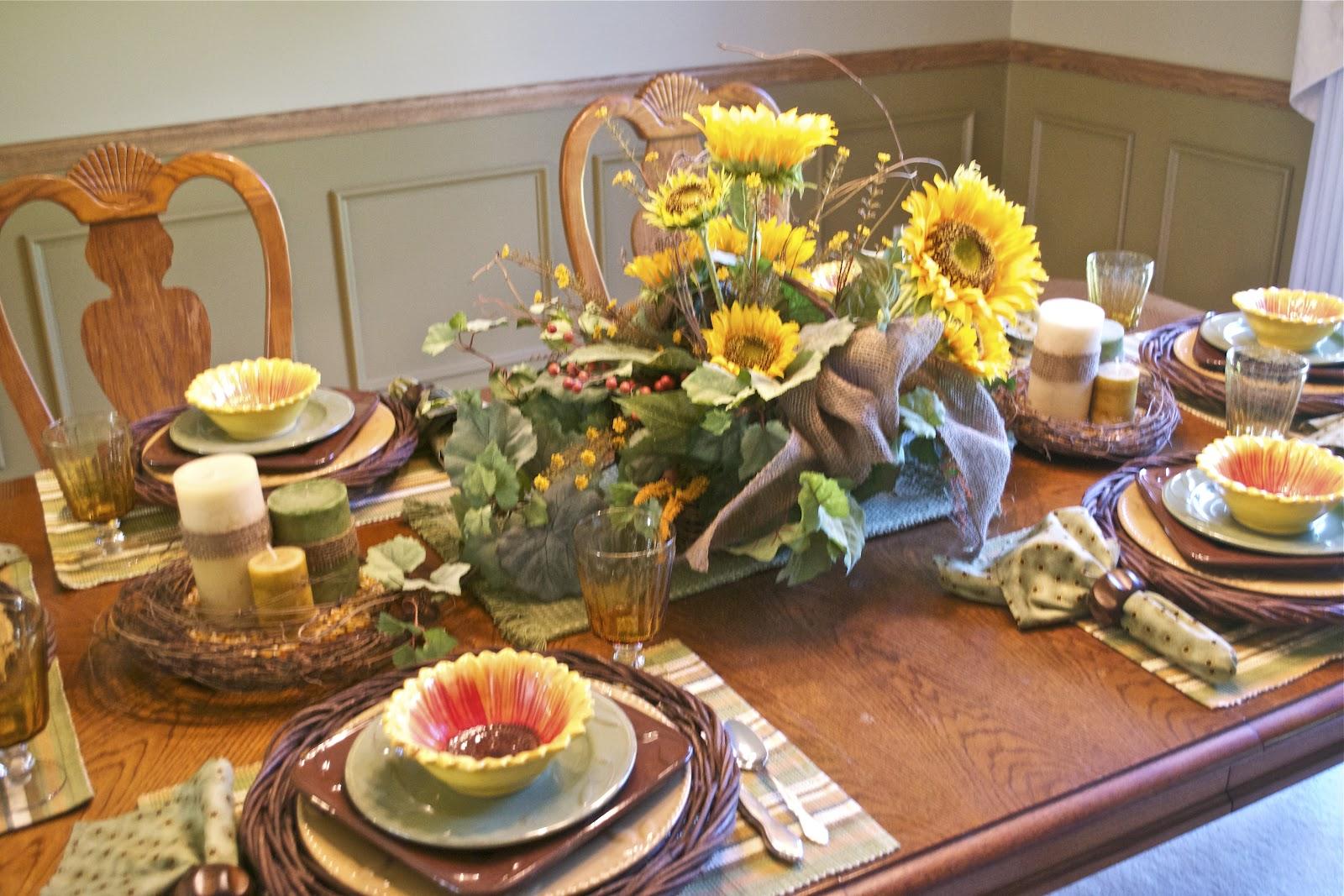 Corner of plaid and paisley sunflower tablescape for Decoracion d