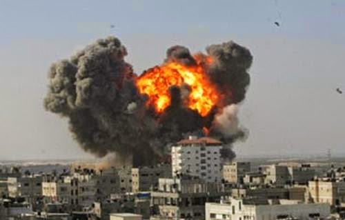 Image bombardment by Israeli aircraft in the Gaza Strip