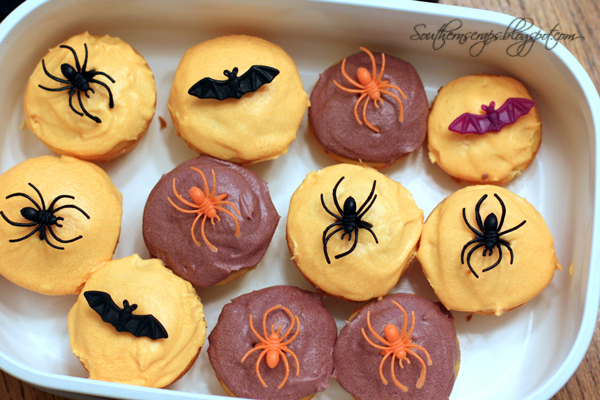 Southern scraps easy halloween cupcakes for How to make halloween cupcakes from scratch
