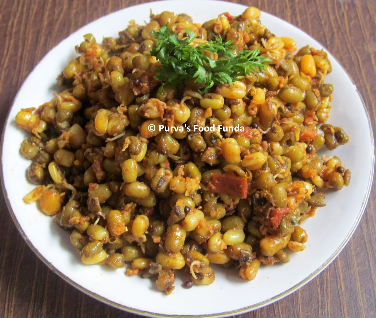 Indian food recipes indian recipes desi food desi recipes mugachi usal maharashtrian sprouted green gram moong beans curry forumfinder Image collections