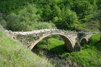 Πέτρινο Γεφύρι Τσιούκας