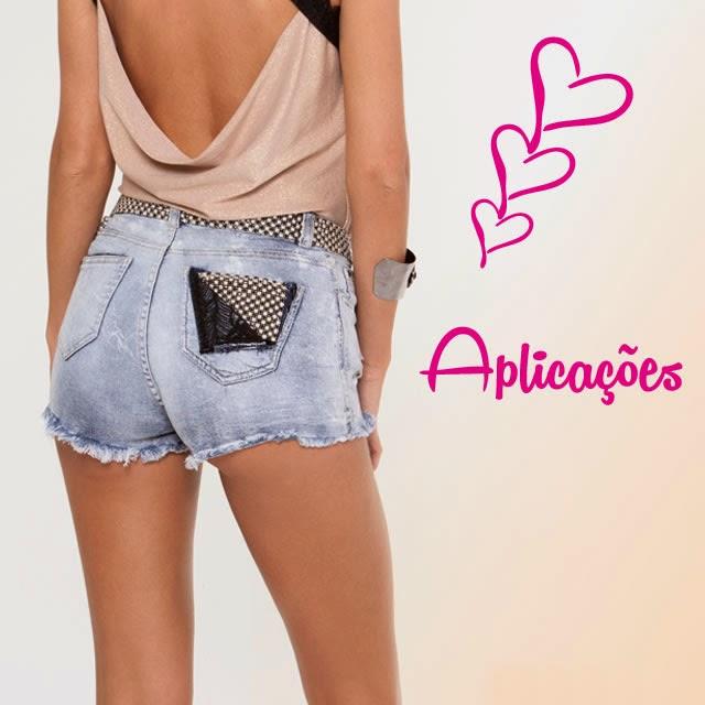 Look: Conforto sem abrir mão do glamour - Renda e shortinho jeans