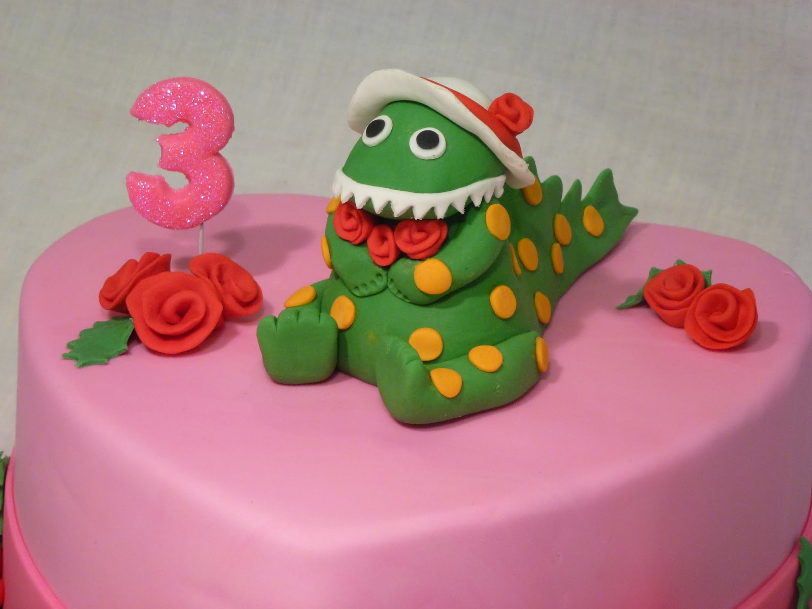 Cakes and Other Delights Dorothy the Dinosaur