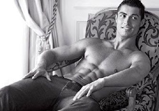 christiano-ronaldo-tummy-muscles-6packs-abs-naked-body