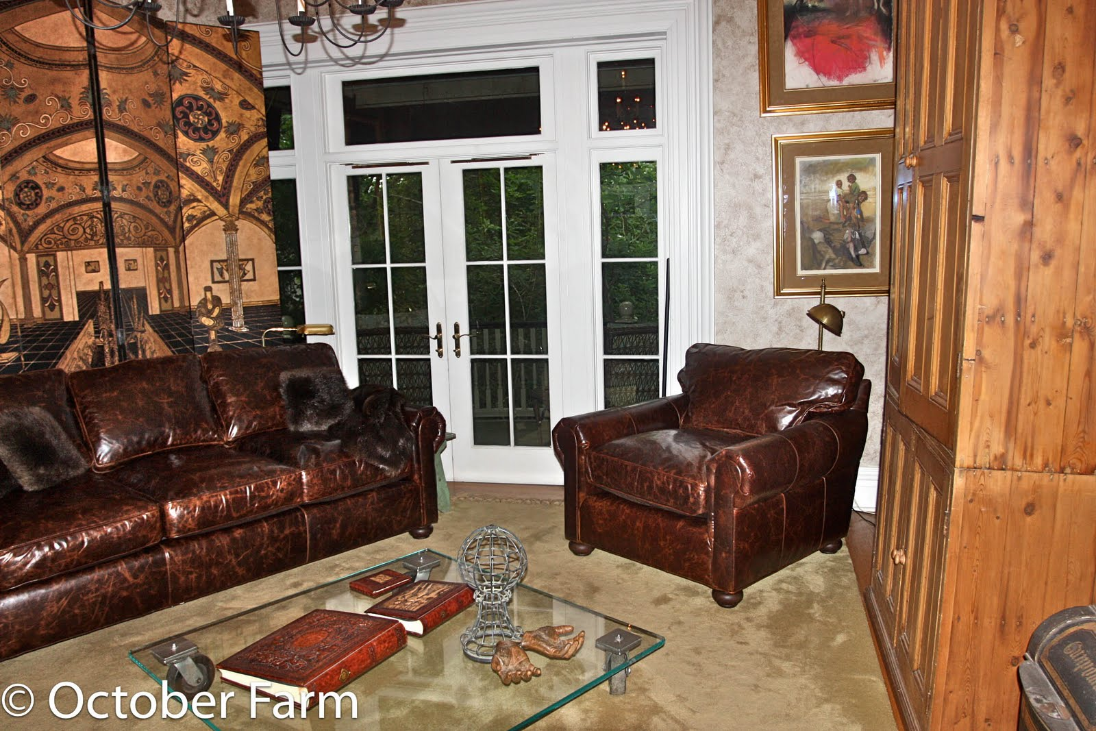 Here Is The New Furniture. Very Different And Pretty Plain. Click For A  Better Look.
