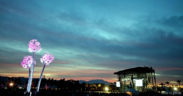 Beautiful LED lit flowers to be expected at Heineken Thirst 2012