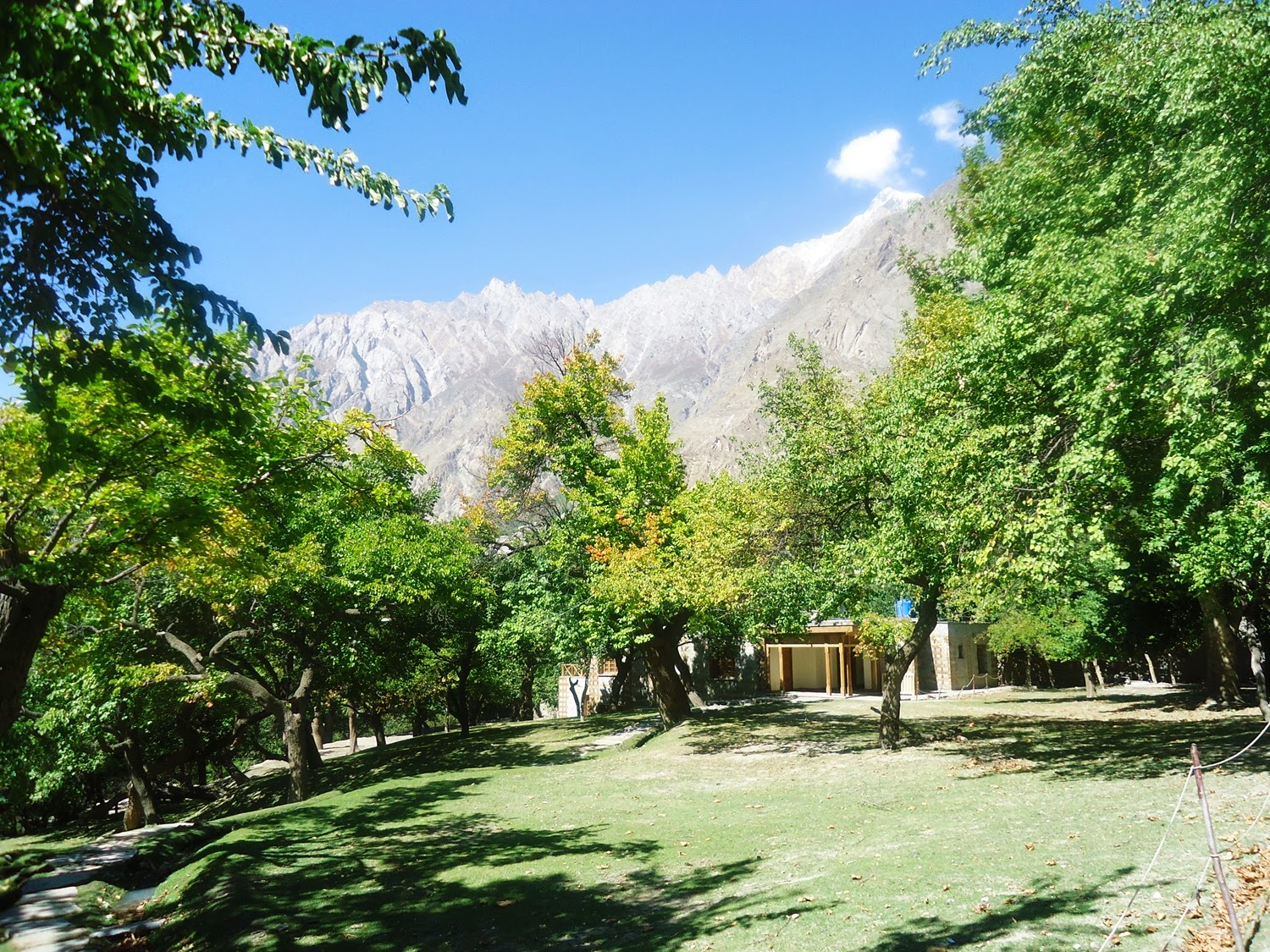 Altit Fort, Hunza Valley (www.prettygloss.blogspot.com)