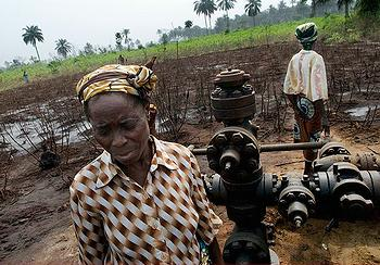 Nigerian women at the Shell Oil spill site
