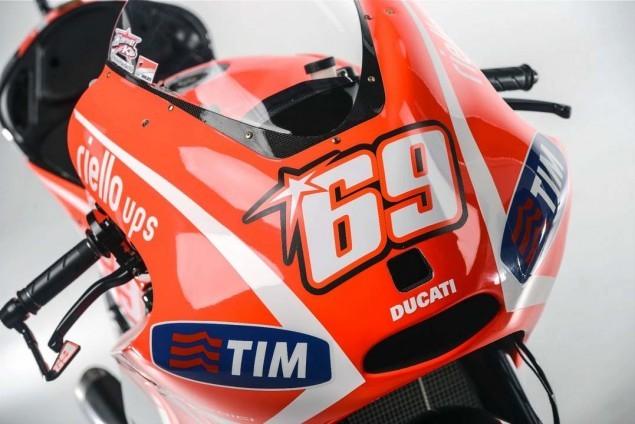 Primeiras fotos da moto Ducati Desmosedici GP13