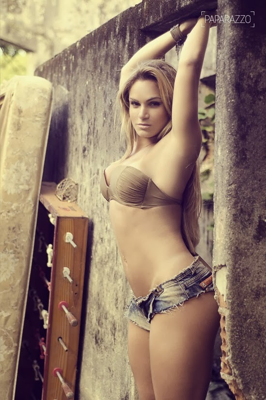 Bianca Salgueiro, muito gostosa - foto 1