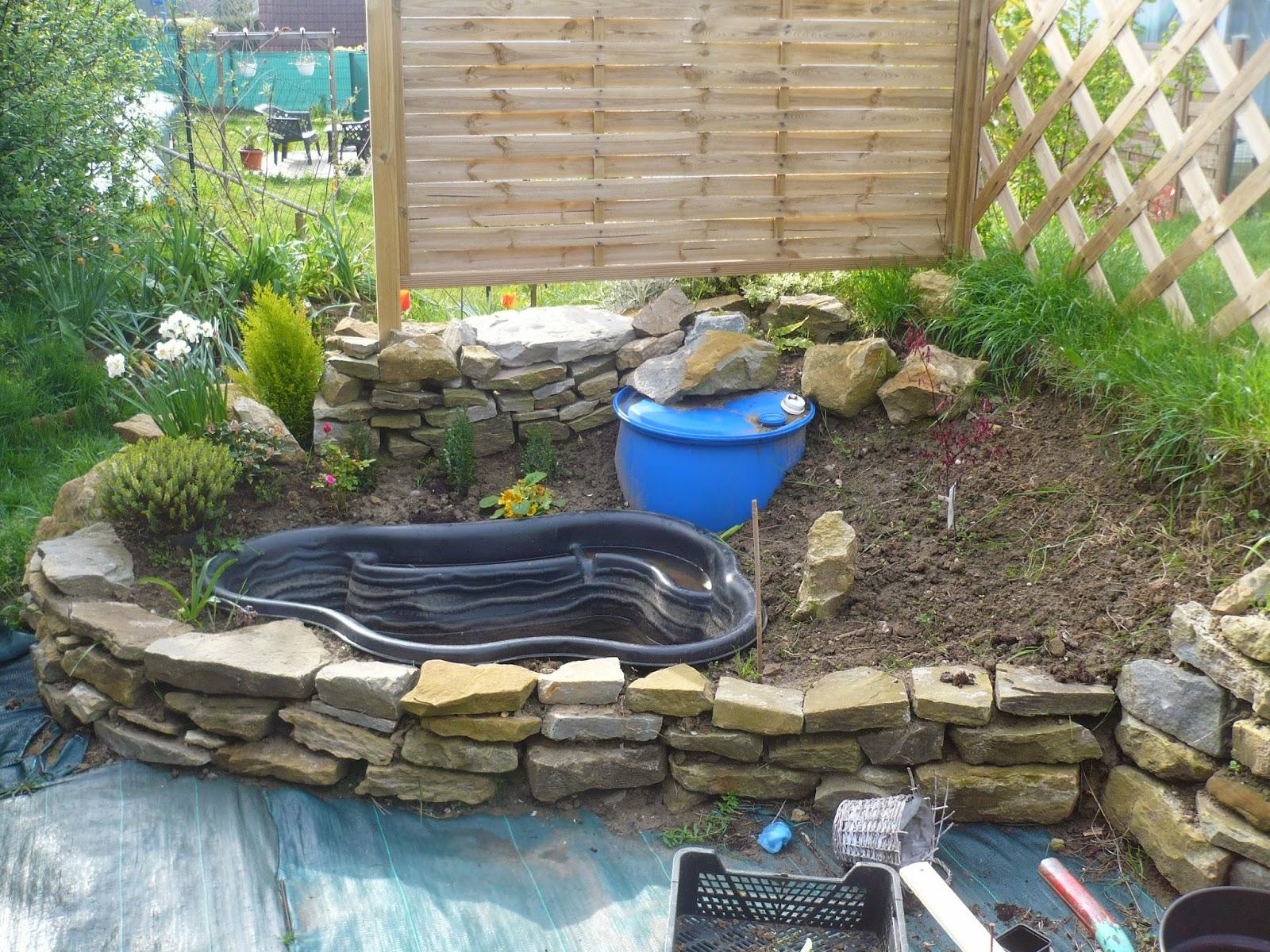 Le jardin de jean michel for Petit muret de jardin