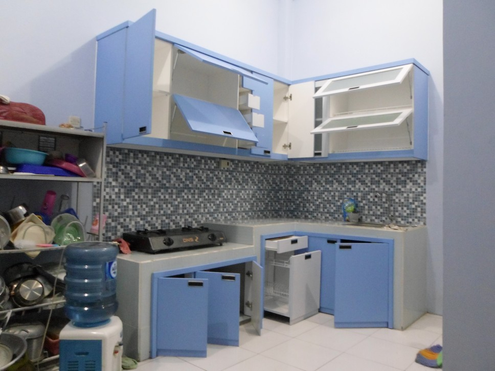 Kitchen Set Minimalis Bentuk L Desain Warna Biru Furniture